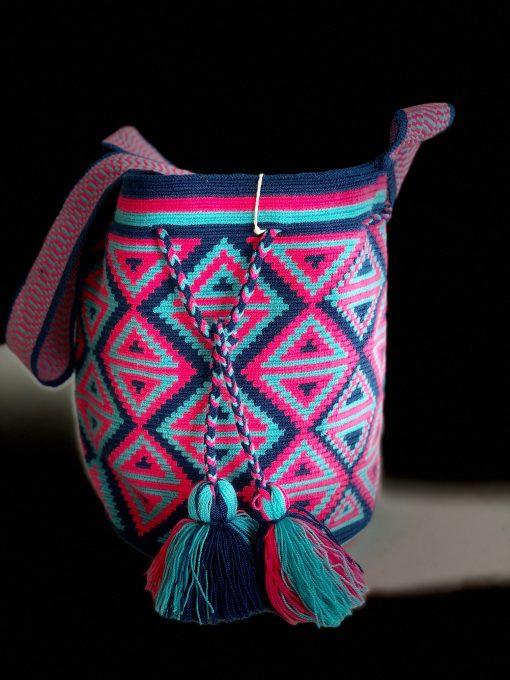 Wayuu crocheted handbag in 1 thread