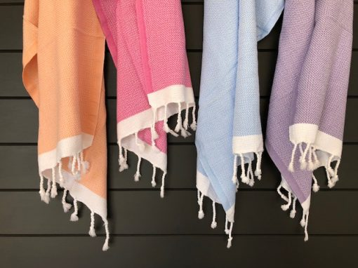 Kew Hand towel made from organic cotton and comes in 4 different colours