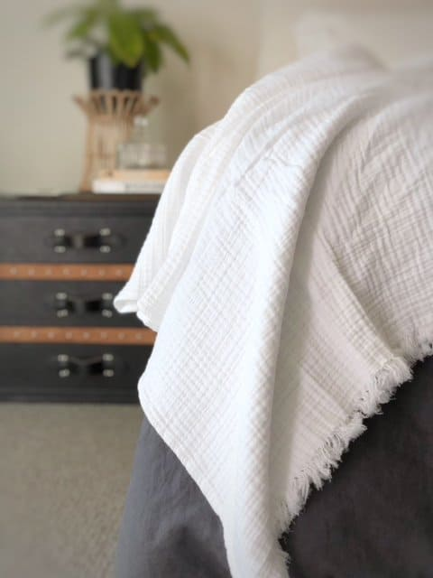 Rhapsody Throw made with 100% cotton in White