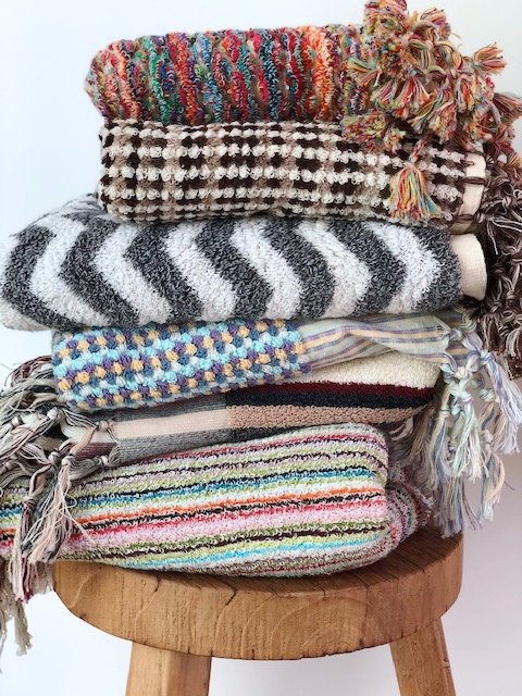 Bath mats to add a pop of colour to any decor