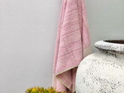 Bath towel and Bathmat named iced Vovo